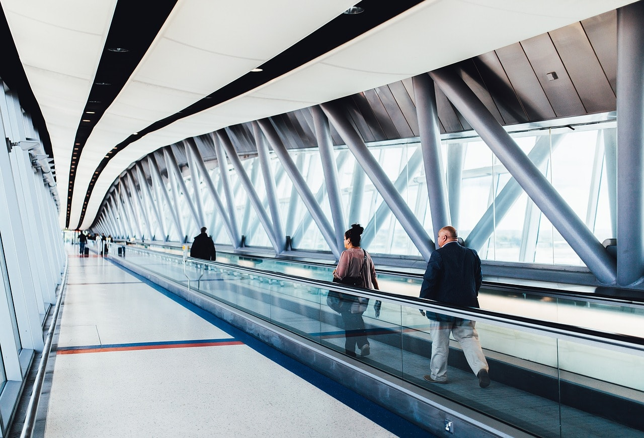 Why I Prefer Buying Airports Over Airlines At These Prices