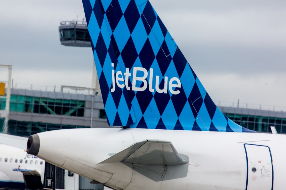 jetblue airways: adding value essay Jetblue added many new value-enhancing features and was trying to offer its customers better customer experience however, because requirements are conflicting between cost leadership and differentiation strategies, jetblue faced challenges pursuing the integration strategy.